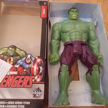 Hulk encore attaché
