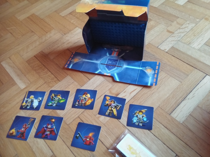 Deballage la station de combat lego nexo knights for A l interieur des gentils